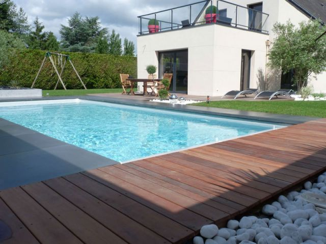 Amenagement piscine ardoise - Amenagement terrasse piscine ...