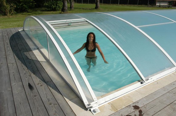 amenagement piscine avec dome. Black Bedroom Furniture Sets. Home Design Ideas