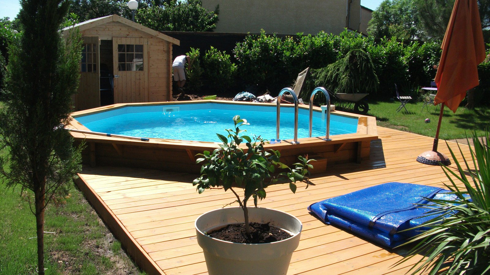 Amenagement piscine bois semi enterree - Piscine bois semi enterree pas cher ...