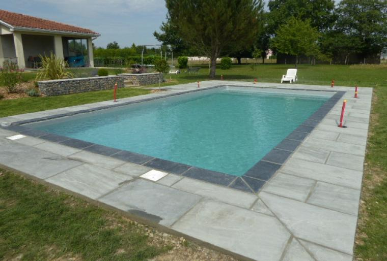 Amenagement piscine dallage - Amenagement autour piscine photos ...