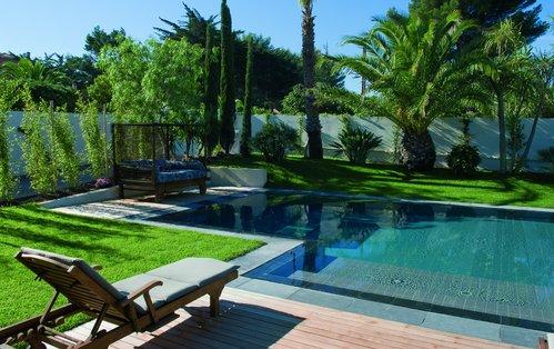 amenagement piscine dans jardin