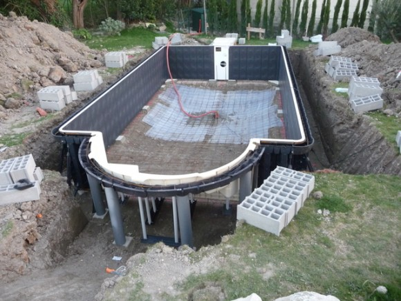 amenagement piscine desjoyaux