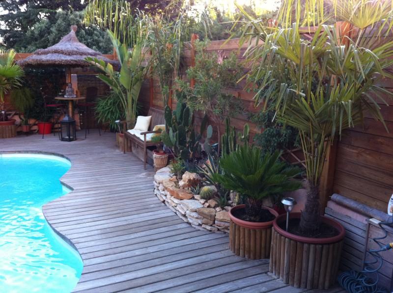 amenagement piscine exotique. Black Bedroom Furniture Sets. Home Design Ideas