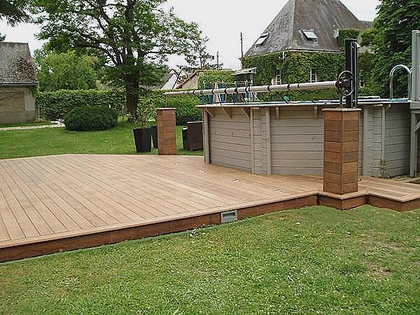 Amenagement piscine exterieure hors sol - Construire un deck de piscine hors sol ...