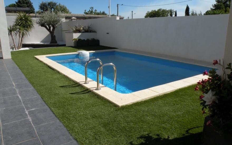 amenagement piscine gazon