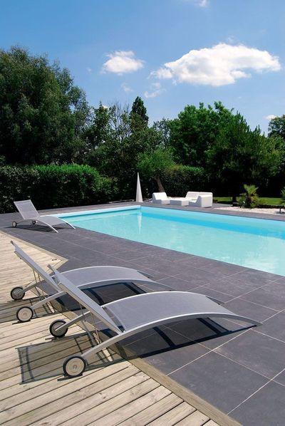 amenagement piscine mobilier. Black Bedroom Furniture Sets. Home Design Ideas