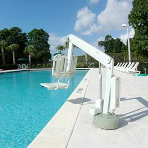 amenagement piscine pour handicape