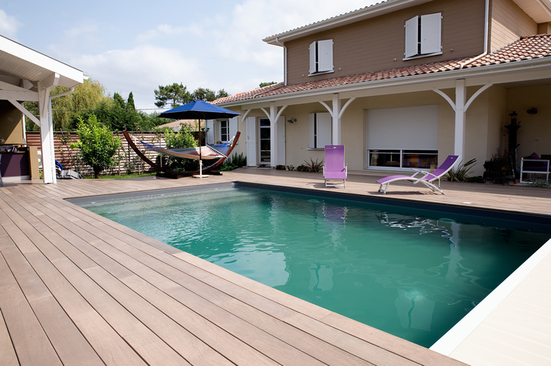 Amenagement piscine terrasse bois - Lame terrasse piscine ...