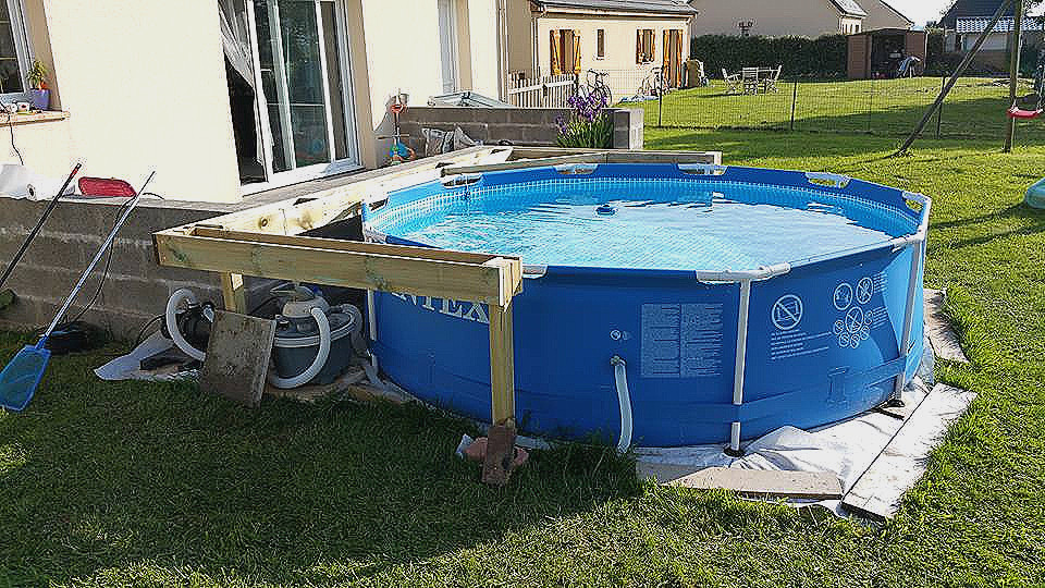 amenagement piscine tubulaire intex