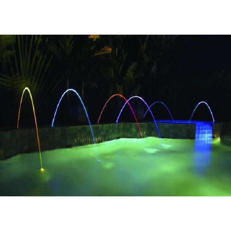 cascade piscine lumineuse