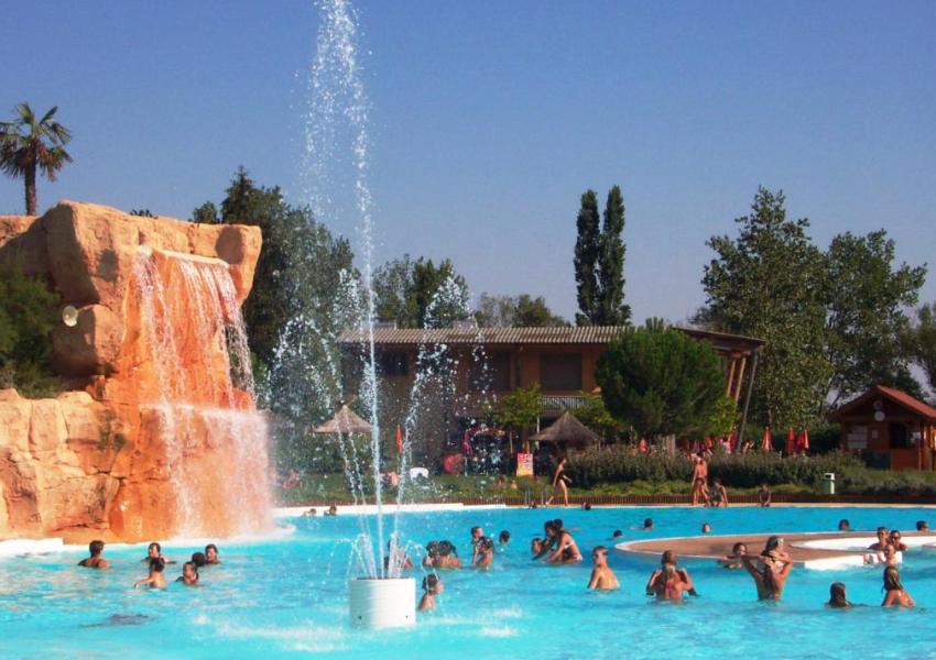 cascade piscine lyon