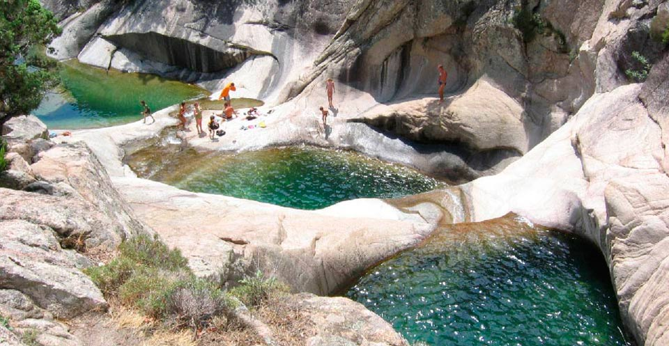 cascade piscine naturelle corse sud