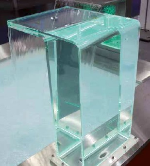 cascade piscine plexiglas