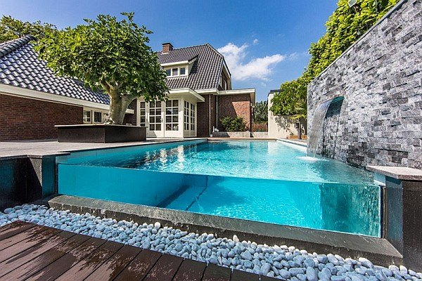 deco piscine pierre