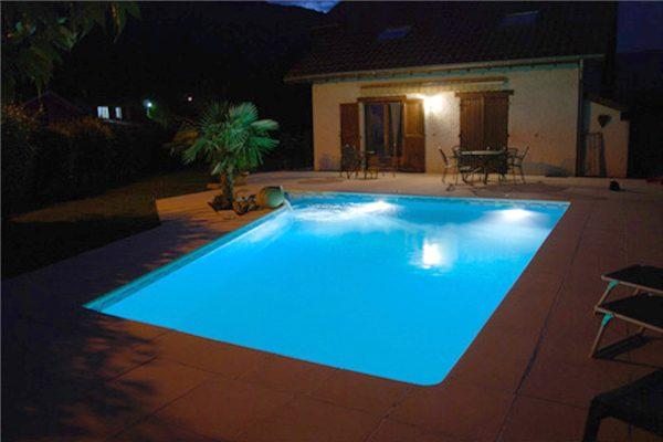 eclairage piscine bleu. Black Bedroom Furniture Sets. Home Design Ideas