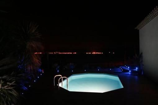 eclairage piscine bois hors sol. Black Bedroom Furniture Sets. Home Design Ideas