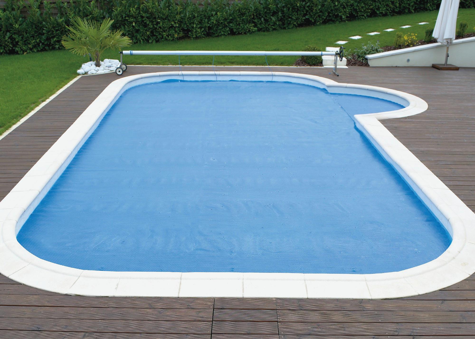 eclairage piscine carrefour. Black Bedroom Furniture Sets. Home Design Ideas