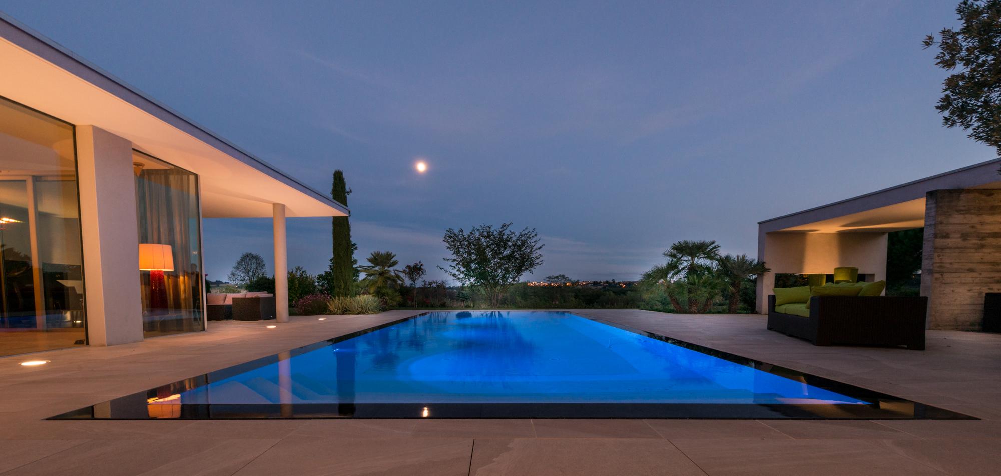 eclairage piscine debordement