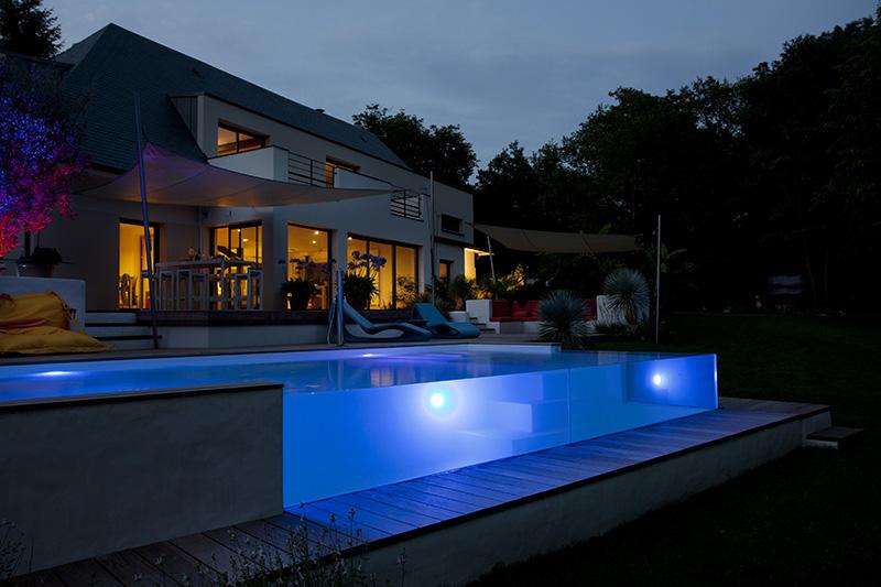 eclairage piscine debordement. Black Bedroom Furniture Sets. Home Design Ideas