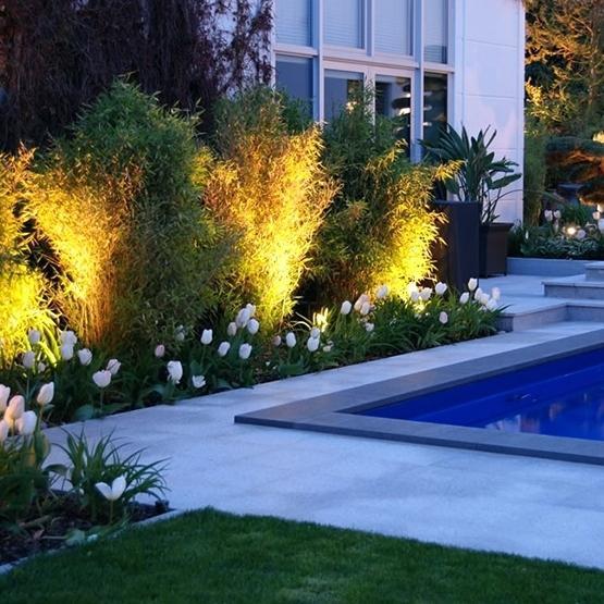 eclairage piscine et jardin. Black Bedroom Furniture Sets. Home Design Ideas
