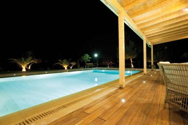 eclairage piscine exterieur. Black Bedroom Furniture Sets. Home Design Ideas