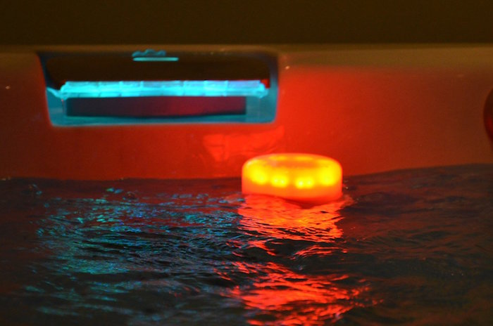eclairage piscine flottant