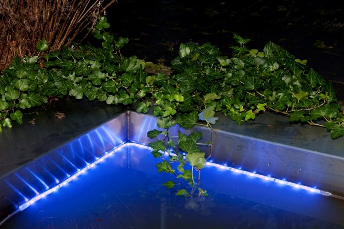 eclairage piscine led solaire. Black Bedroom Furniture Sets. Home Design Ideas