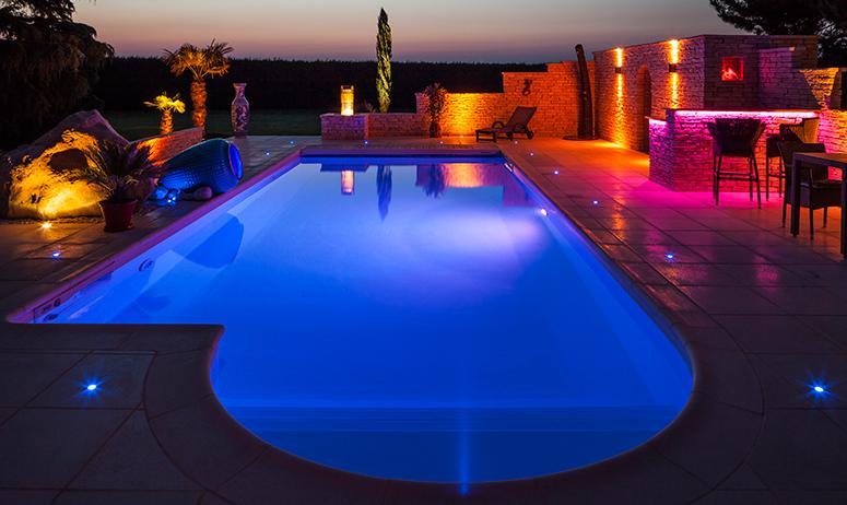 eclairage piscine magiline