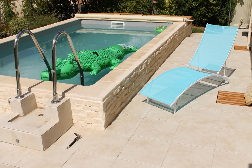 eclairage piscine semi enterree. Black Bedroom Furniture Sets. Home Design Ideas