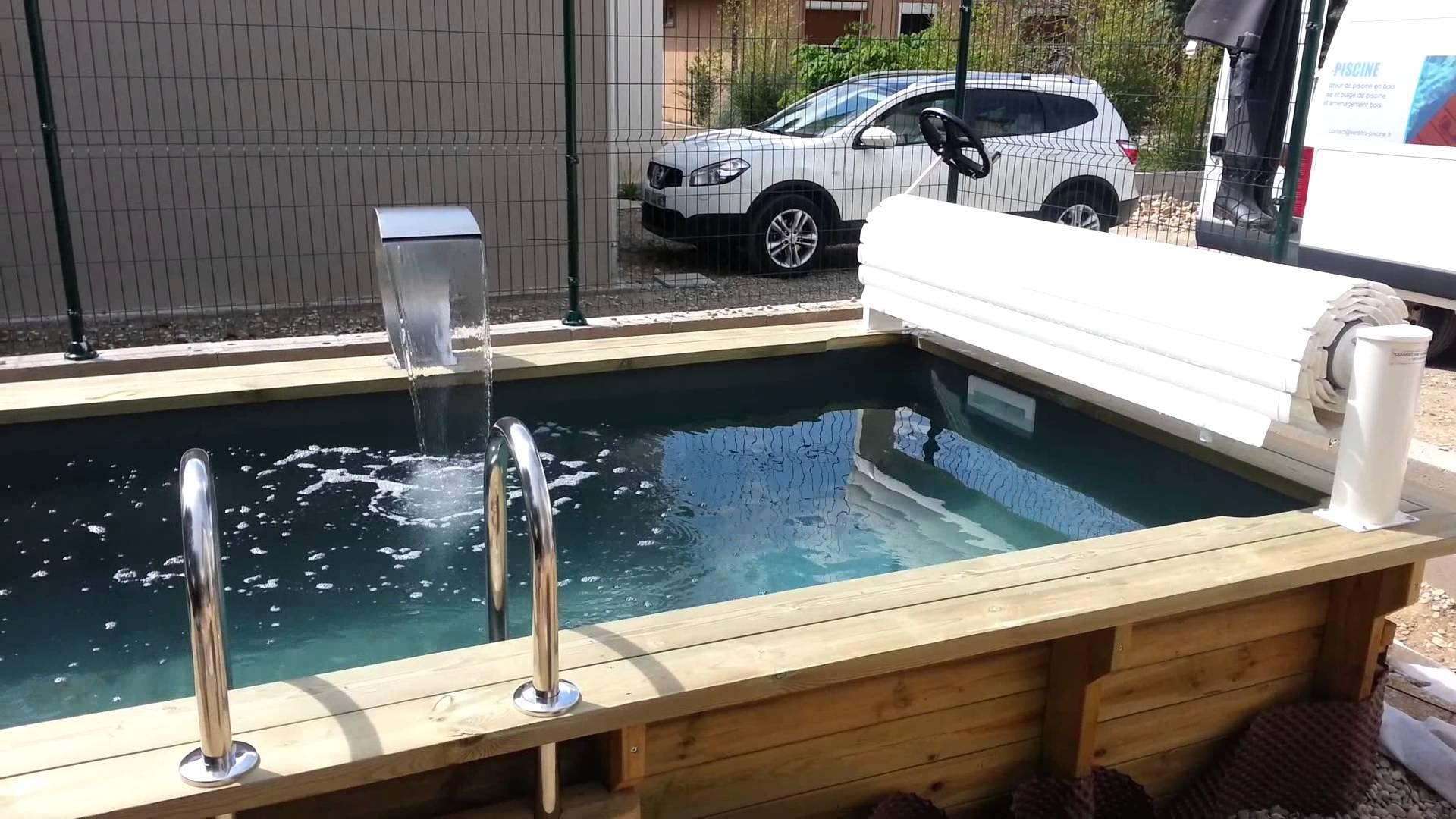 fontaine piscine bois