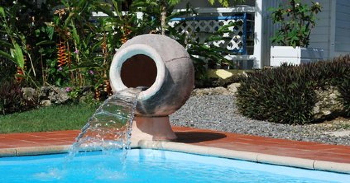 fontaine piscine cascade