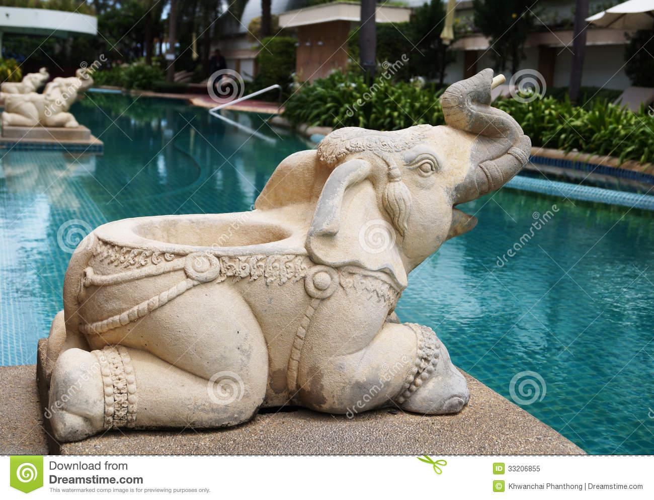 fontaine piscine elephant