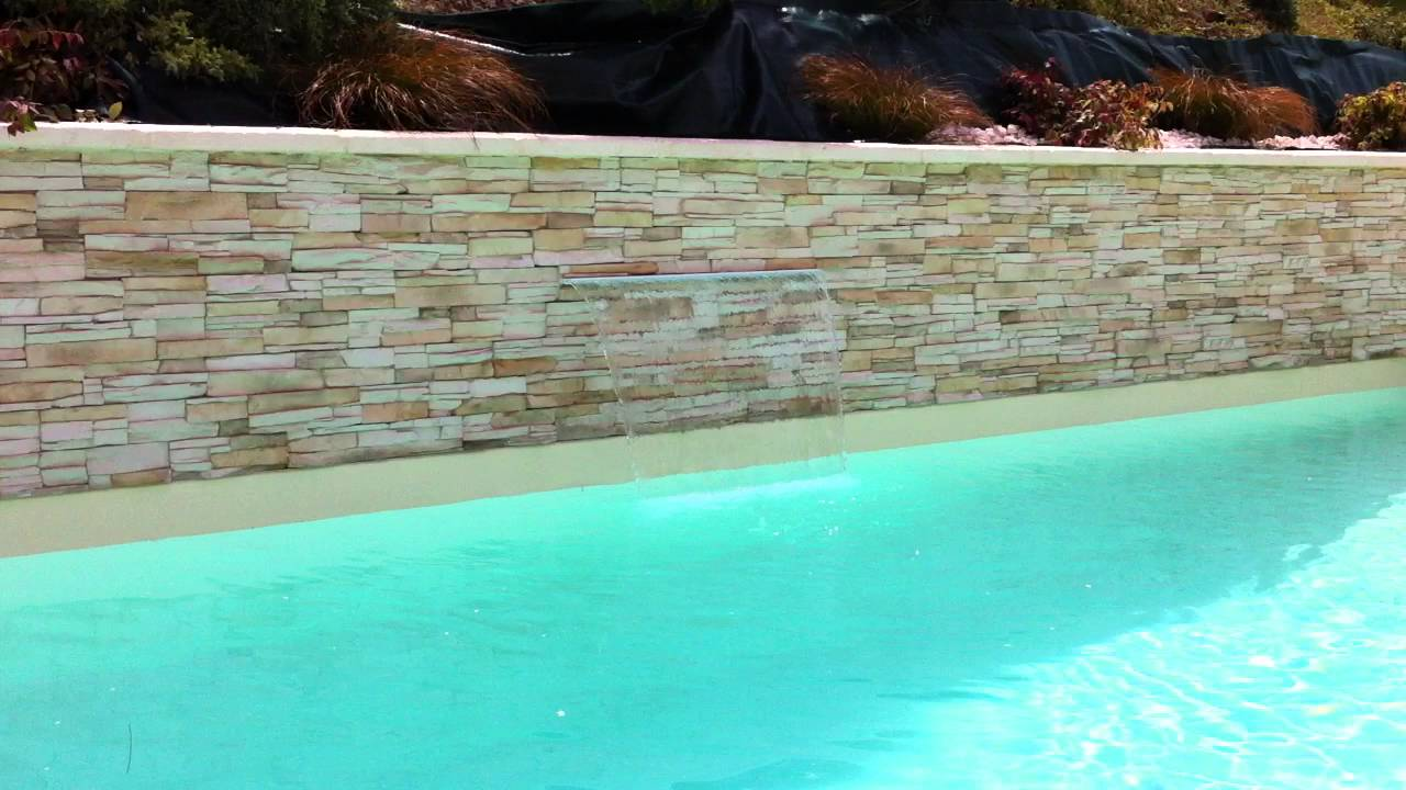 fontaine piscine pierre