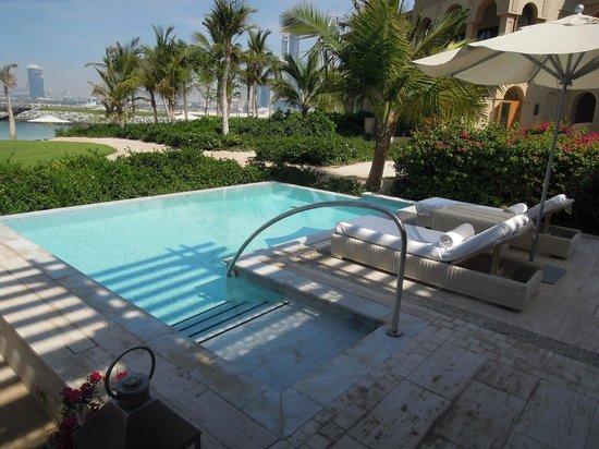 plage piscine dubai