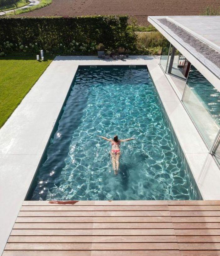 plage piscine en bois ou beton