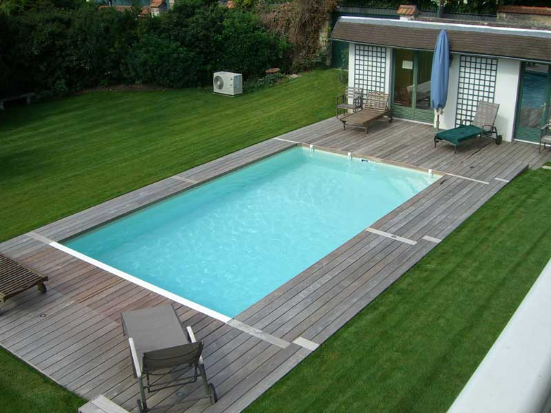 Plage piscine en bois ou beton for Construction en bois ou beton