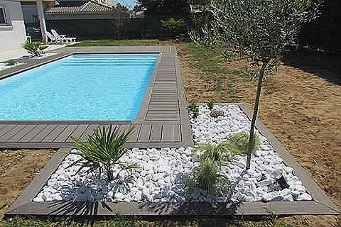 plage piscine galet