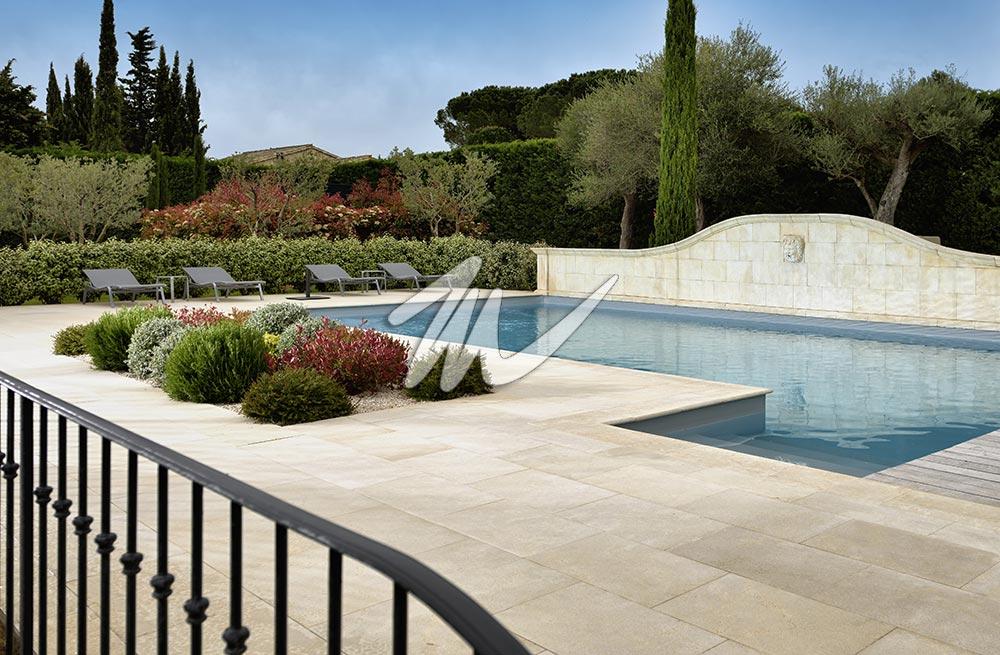 plage piscine marbre. Black Bedroom Furniture Sets. Home Design Ideas