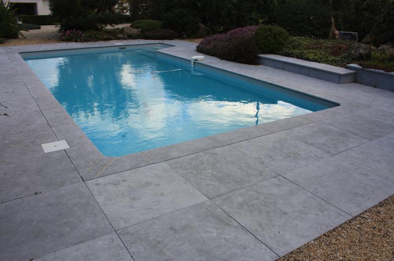plage piscine margelle