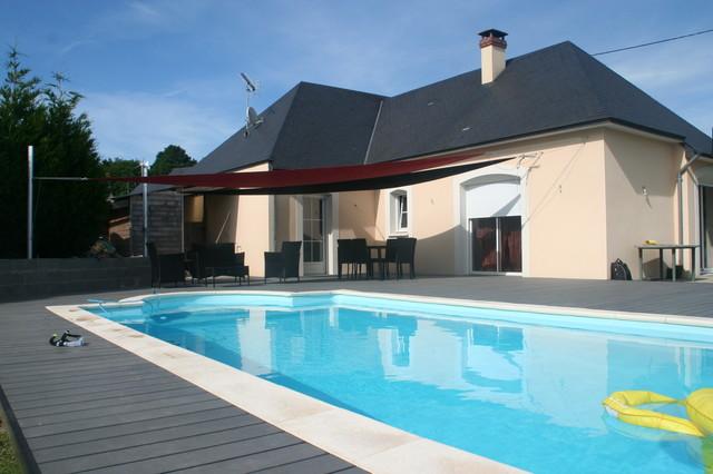 Plage piscine moderne - Carrelage piscine moderne ...
