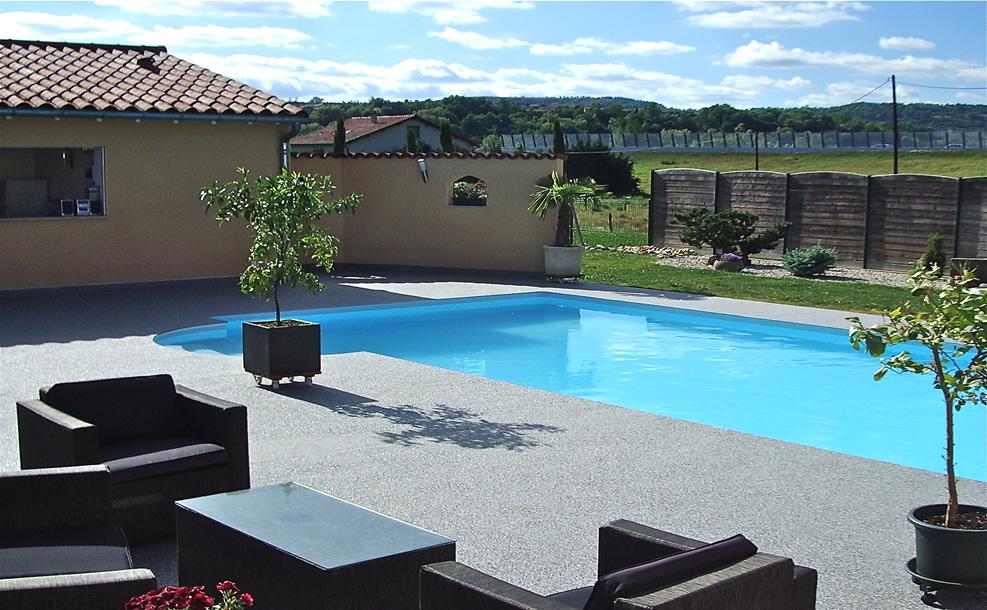 plage piscine moquette de pierre. Black Bedroom Furniture Sets. Home Design Ideas