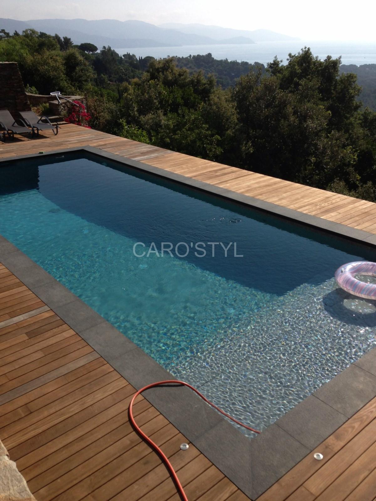 Plage piscine noire for Pool bordure