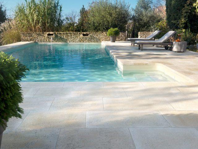plage piscine pierre naturelle