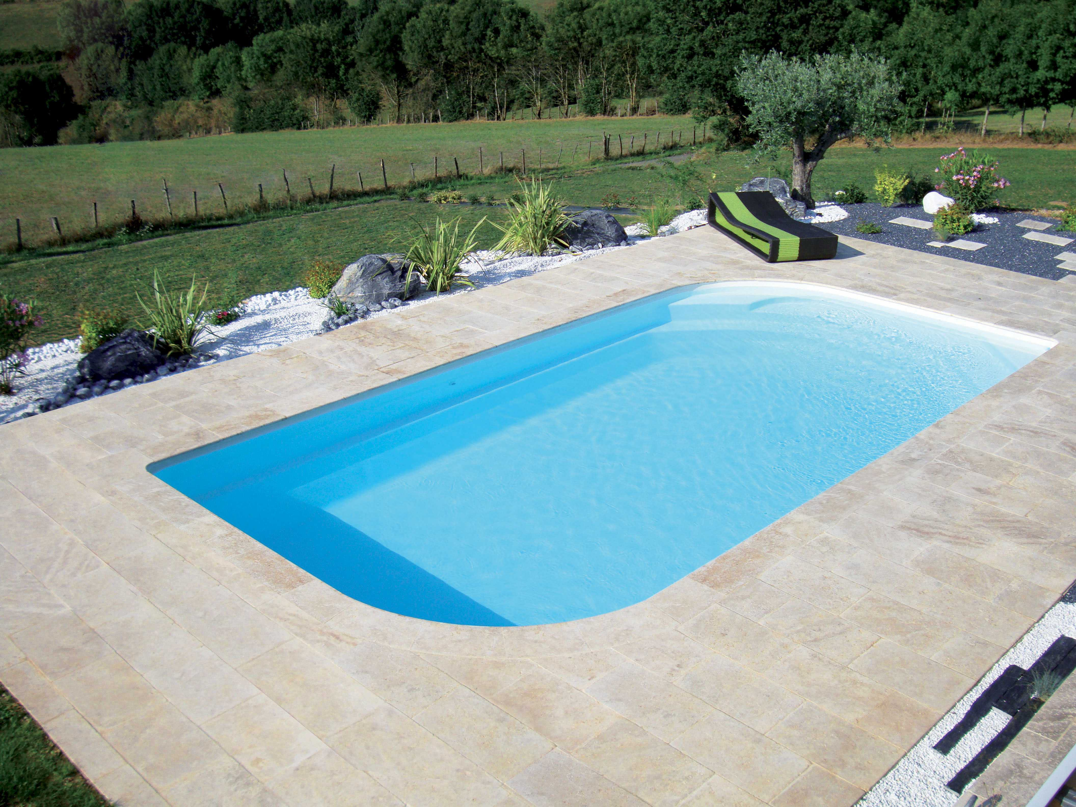 plage piscine sans margelle. Black Bedroom Furniture Sets. Home Design Ideas