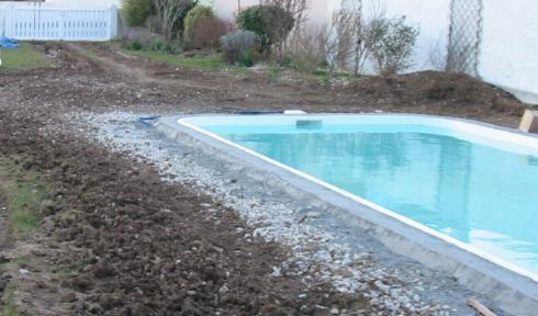 Plage piscine sur lit de sable - Realiser sa piscine ...