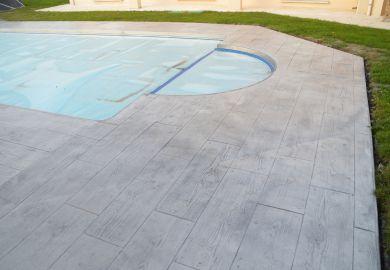 terrasse piscine beton imprime