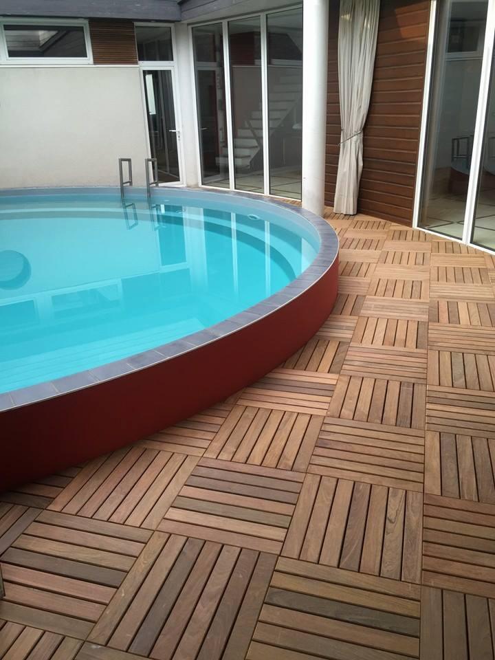 terrasse piscine caillebotis