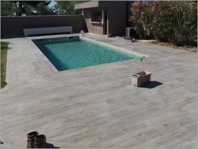 terrasse piscine carrelage gris