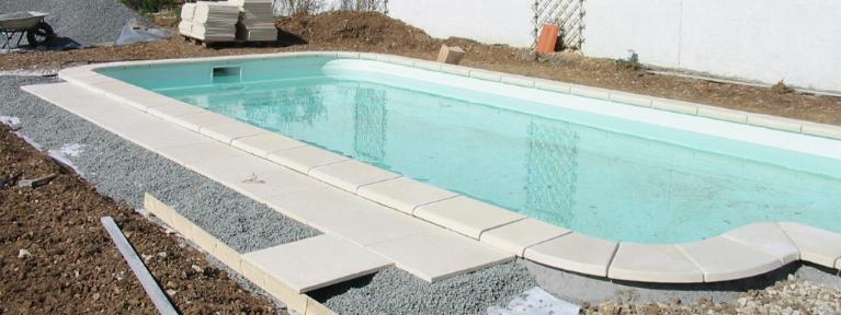 terrasse piscine dalle beton
