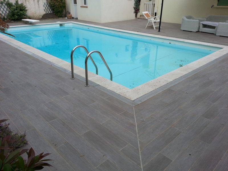 terrasse piscine dalle. Black Bedroom Furniture Sets. Home Design Ideas